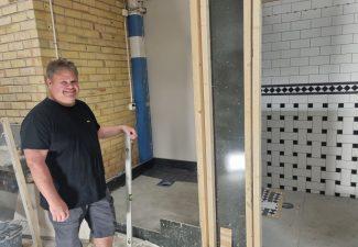 Bygglärare på Movant sadlade om som traditionell lärling